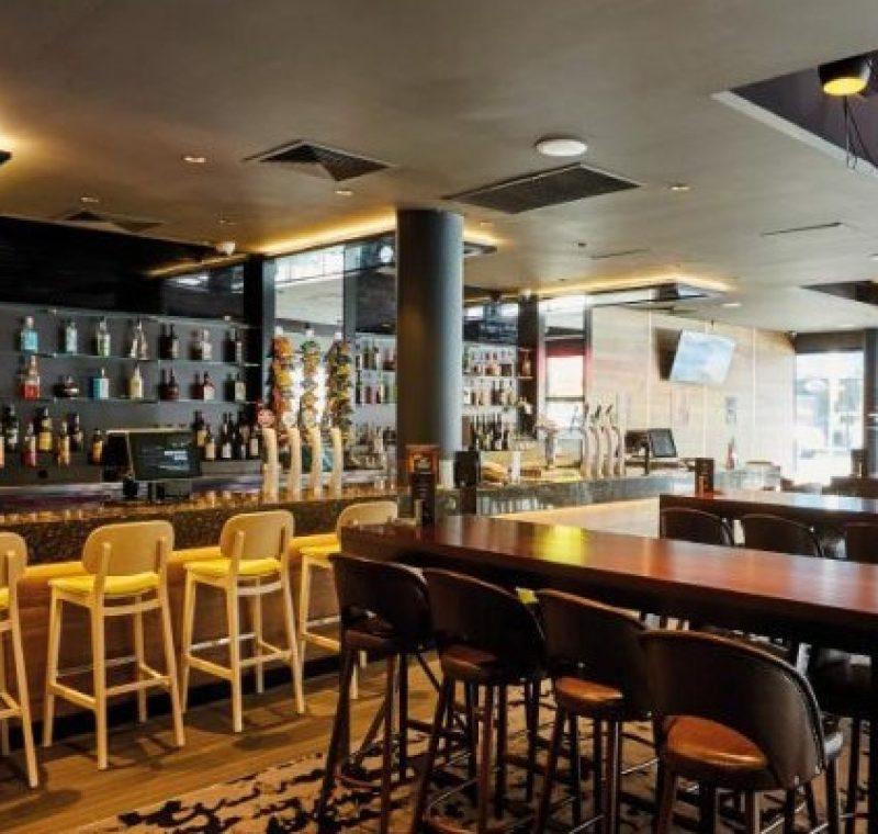 Ivanhoe-Hotel-Establishment-Bar