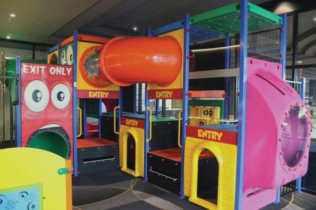 Kids-Playground-Ivanhoe-Hotel